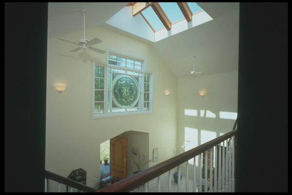 复式楼 玻璃天井 吊扇图片