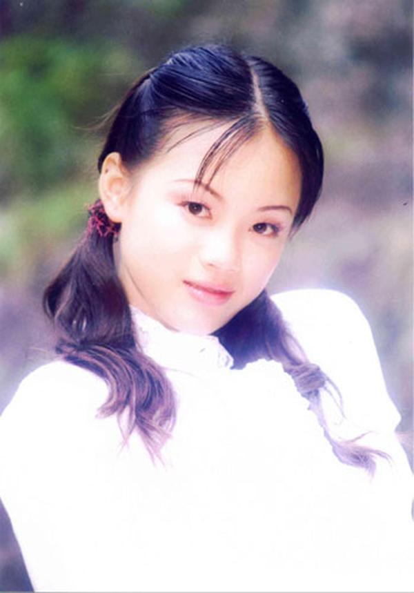 日本拍写真的小女孩有吗_农村小女孩相片_农村高中毕业相片男