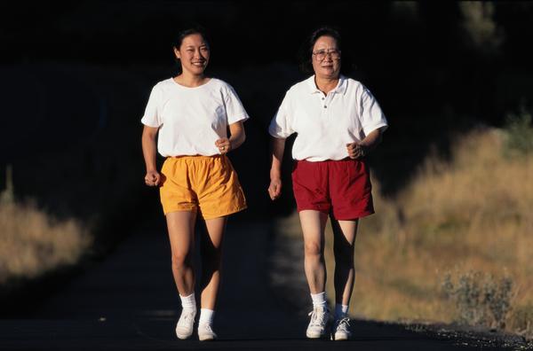 运动_体育锻炼图片运动图母女同晨跑