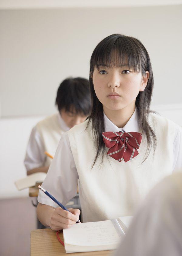 刘海 一个女学生 领结 中学生-人物-人物,中学生 刘海 一个女学生 领结 中学生-人物-人物,