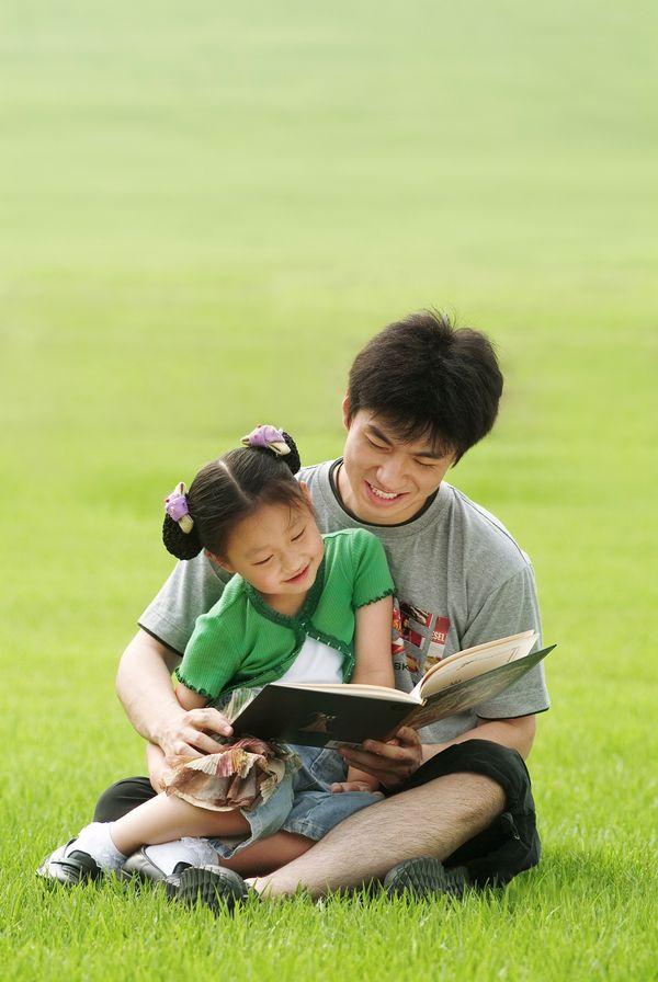 孩子成长ppt模板 适合孩子的ppt模板 父母与孩子ppt模板 综