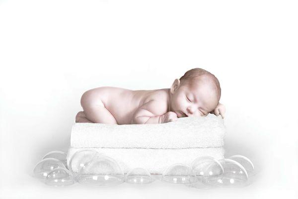 新生婴儿图片 亲子教育图 白色 梦境 新生,新生婴儿大便,新生婴儿图片