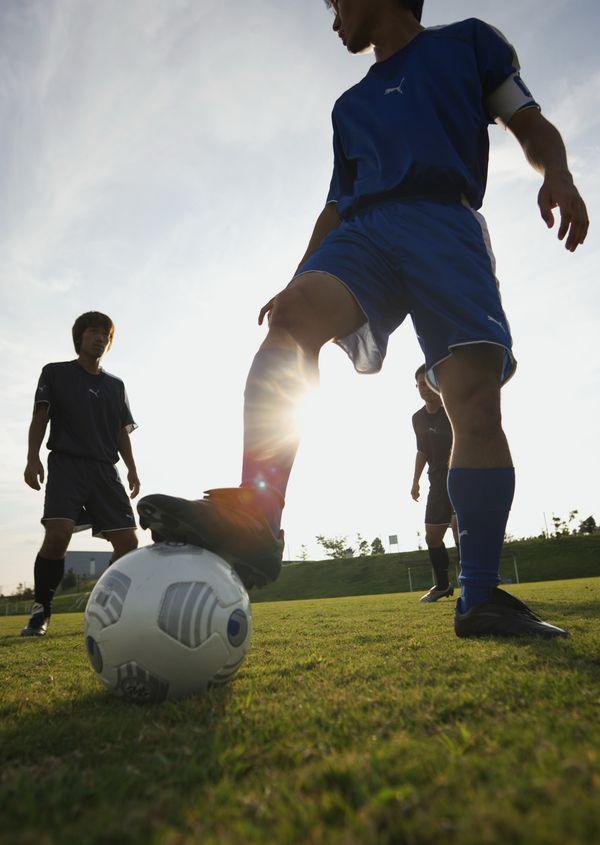脚踩足球 户外运动 美容健身 美容健身 户外运动