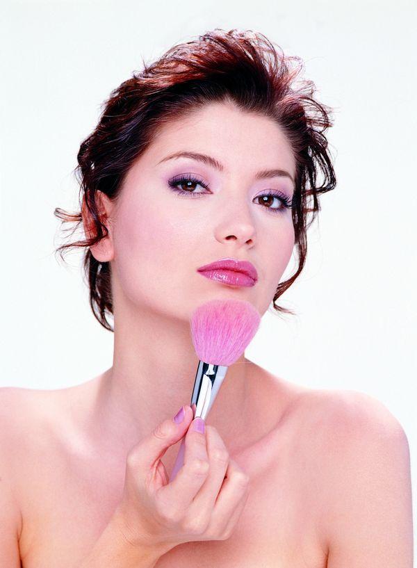 美容美体图片 美容健身图 刷子 涂粉 红唇