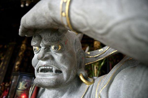 信仰风俗图片-中国传统人文图 恐怖 魔鬼 石像