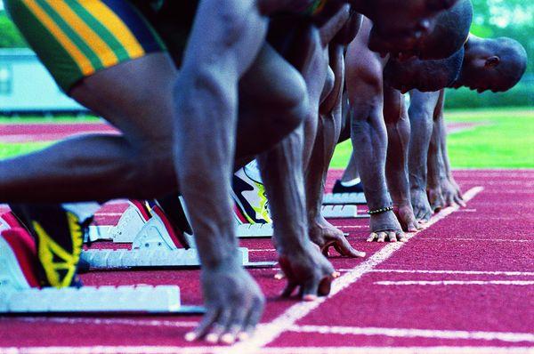 竞技比赛图片-运动图 黑人 短跑 起跑线,运动,竞