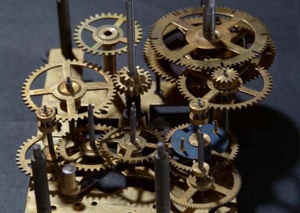为何逆势增长浅析徐工机械半年报