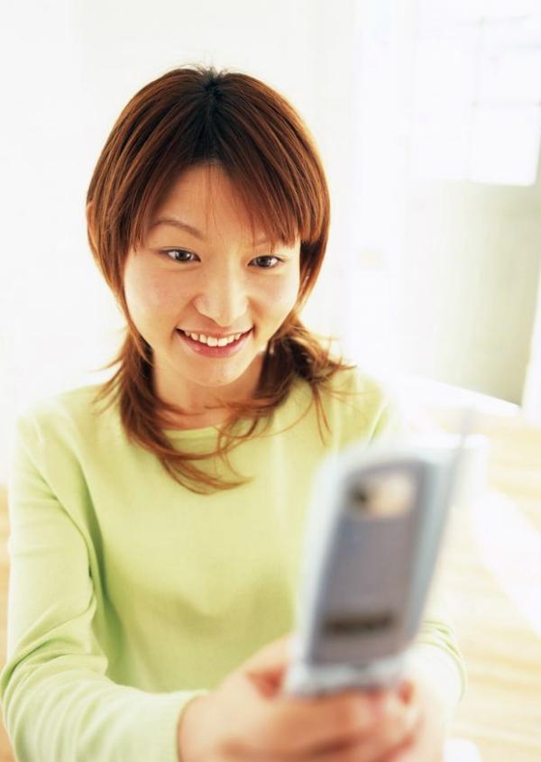 女性微笑图 人物图片