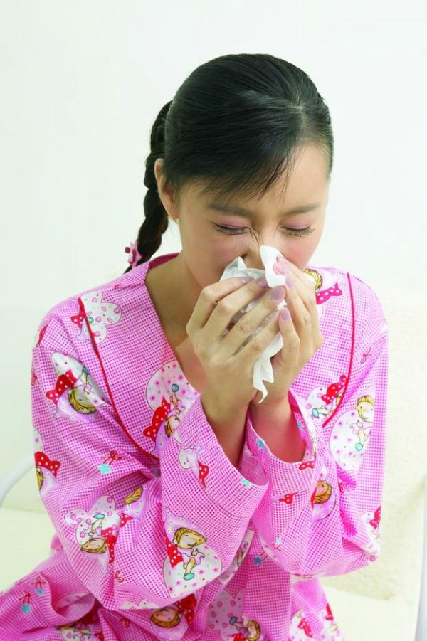 早安少女图片 综合图 感冒了 擤鼻涕 综合