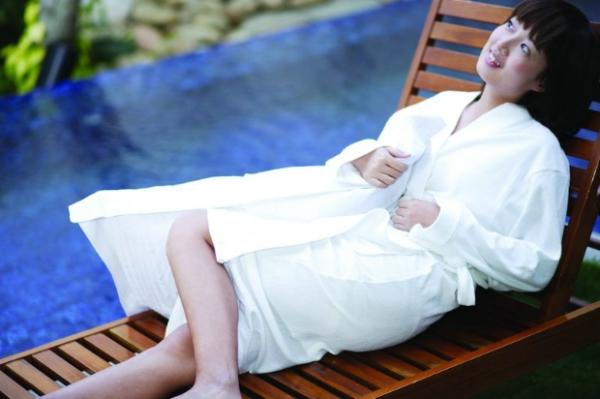 洗完澡 瑜伽美女 美容