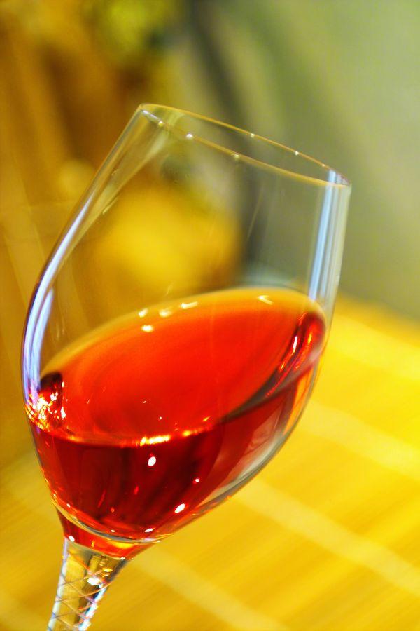 高脚杯里的红玫瑰 - 中竹 - 世外独步博客